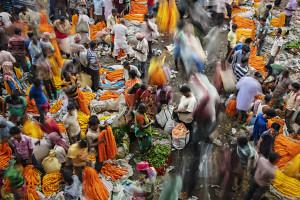 Il mercato dei fiori a Calcutta fotografato da Gianni Oliva