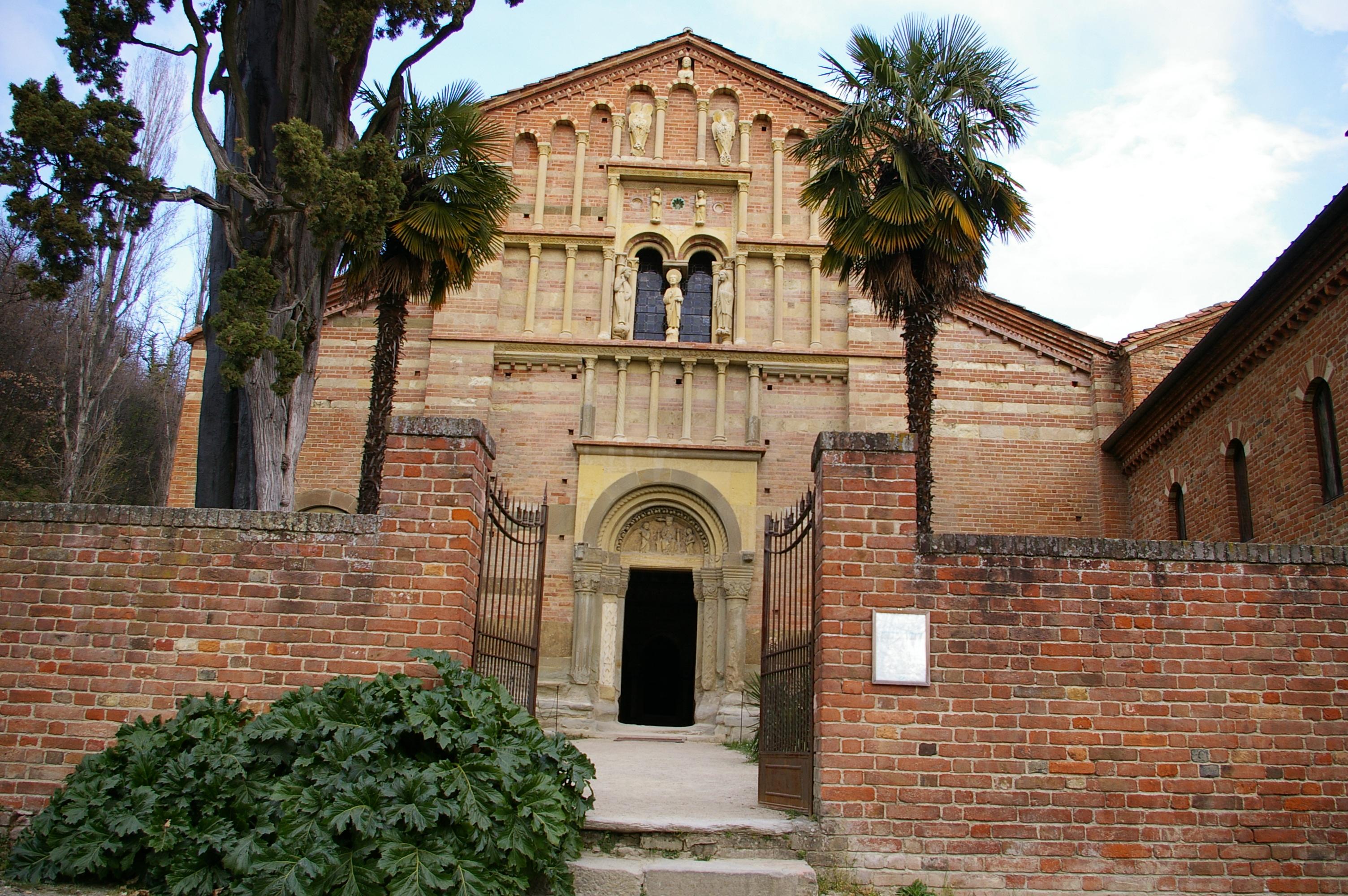Albugnano (At) e l'abbazia di Vezzolano