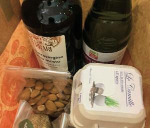 Frutta, verdura, uova, formaggi, pollame, pesce di mare e di torrente, olio, vino e detergenti per la casa e per la persona: alta qualità e certificazione bio di piccoli produttori locali.