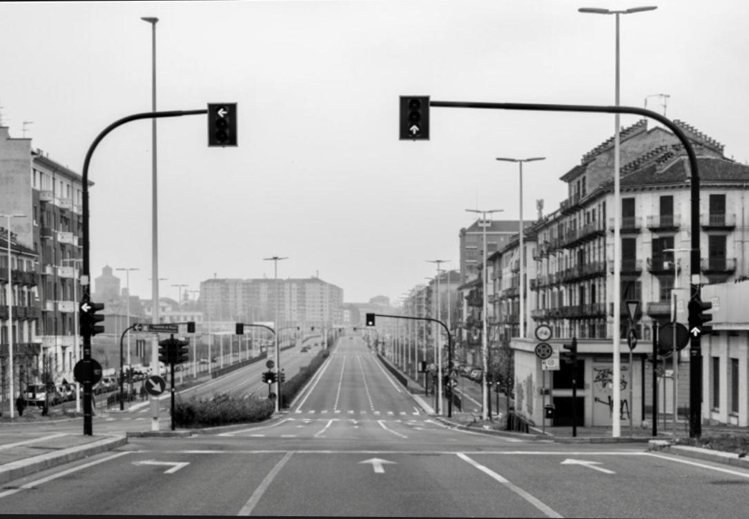 Corso Principe Oddone a Torino durante il lockdown del 2020 per la pandemia di Covid (foto di Gianni Oliva)