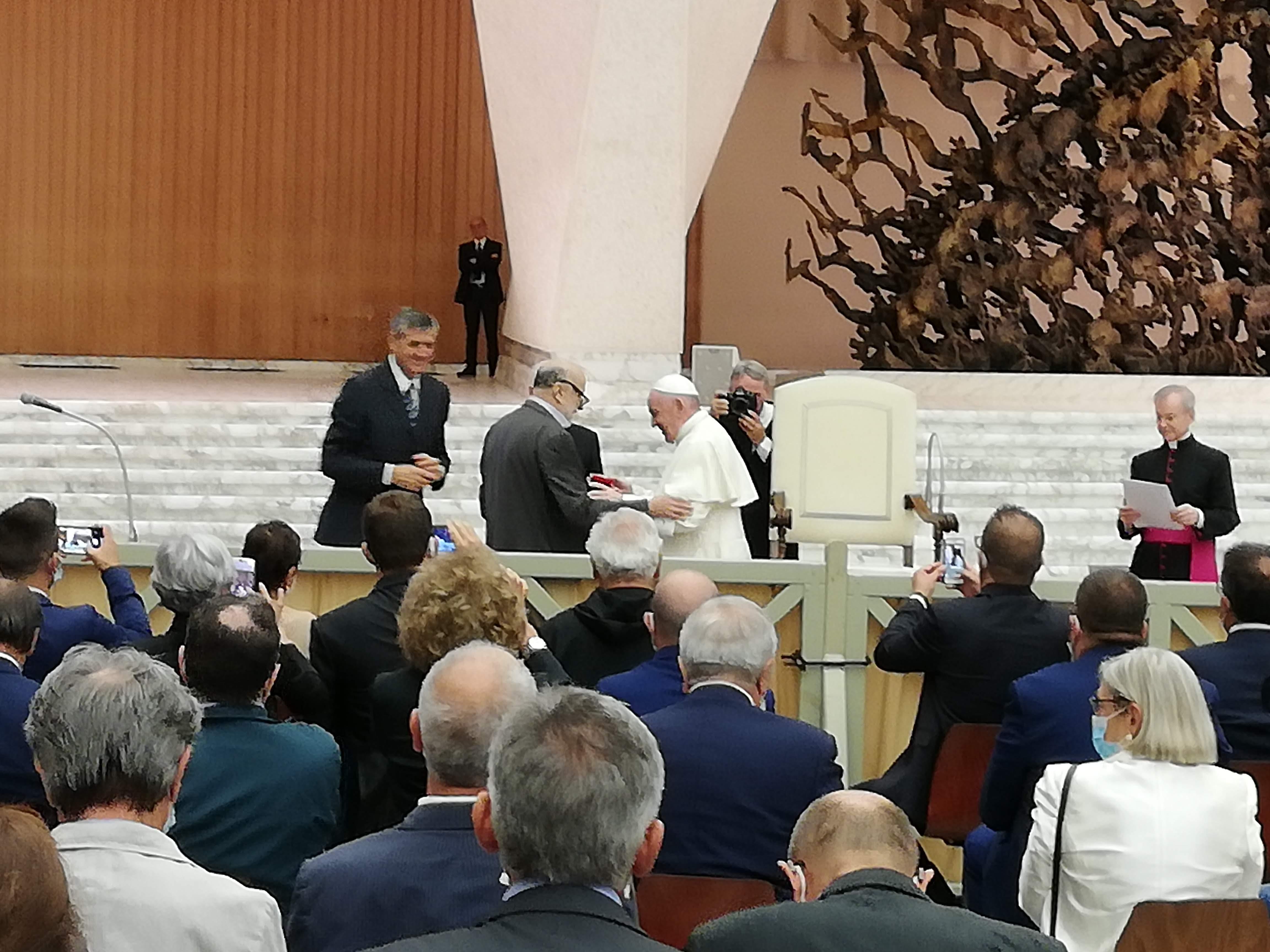 Petrini incontra papa Francesco in occasione dell'incontro delle Comunità Laudato Si'